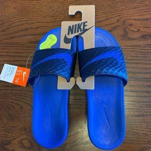 Men's size 10 Nike Benassi Solarsoft Slides